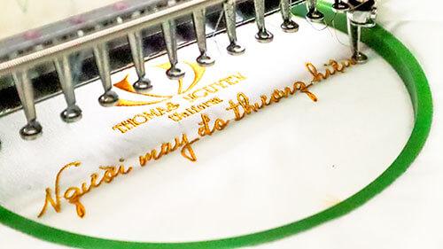 Cách viết thông điệp phù hợp với mẫu áo phông đồng phục nam nữ đẹp