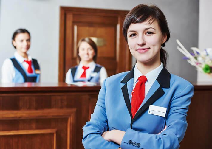 May đồng phục khách sạn Thomas Nguyen