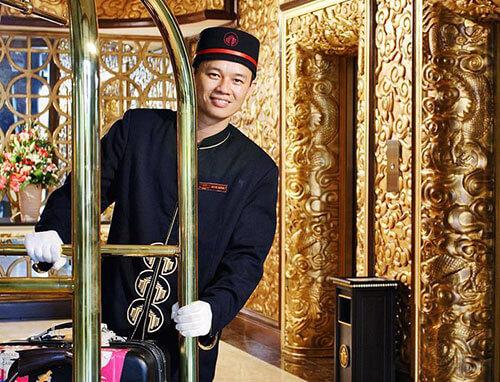 Đồng phục khách sạn, đồng phục nhà hàng, đồng phục bell mở cửa