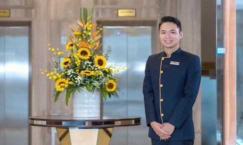 Trang phục bellman nhà hàng khách sạn