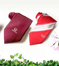 Cà vạt thêu logo thomas Nguyen