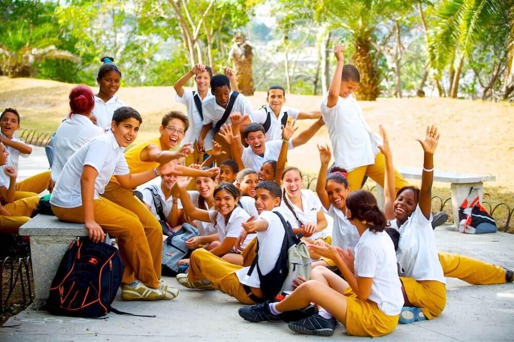 Đồng phục học sinh CubaĐồng phục học sinh Cuba