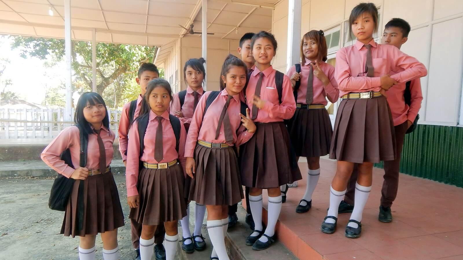 Đồng phục học sinh Ấn Độ