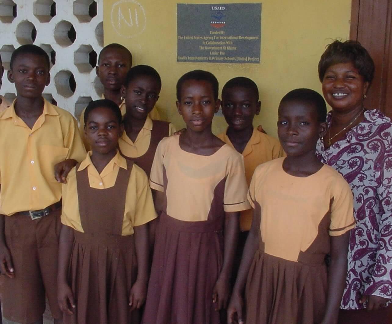 Đồng phục học sinh Ghana