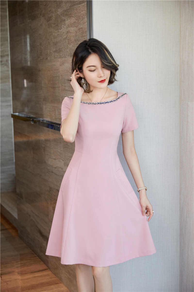 Váy liền thân cổ tròn